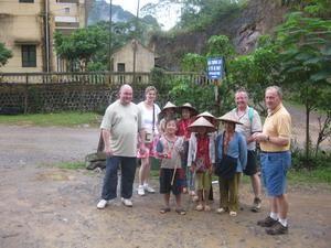 Monsieur le directeur de Mandarin Road, Madame Terase Nguyen,