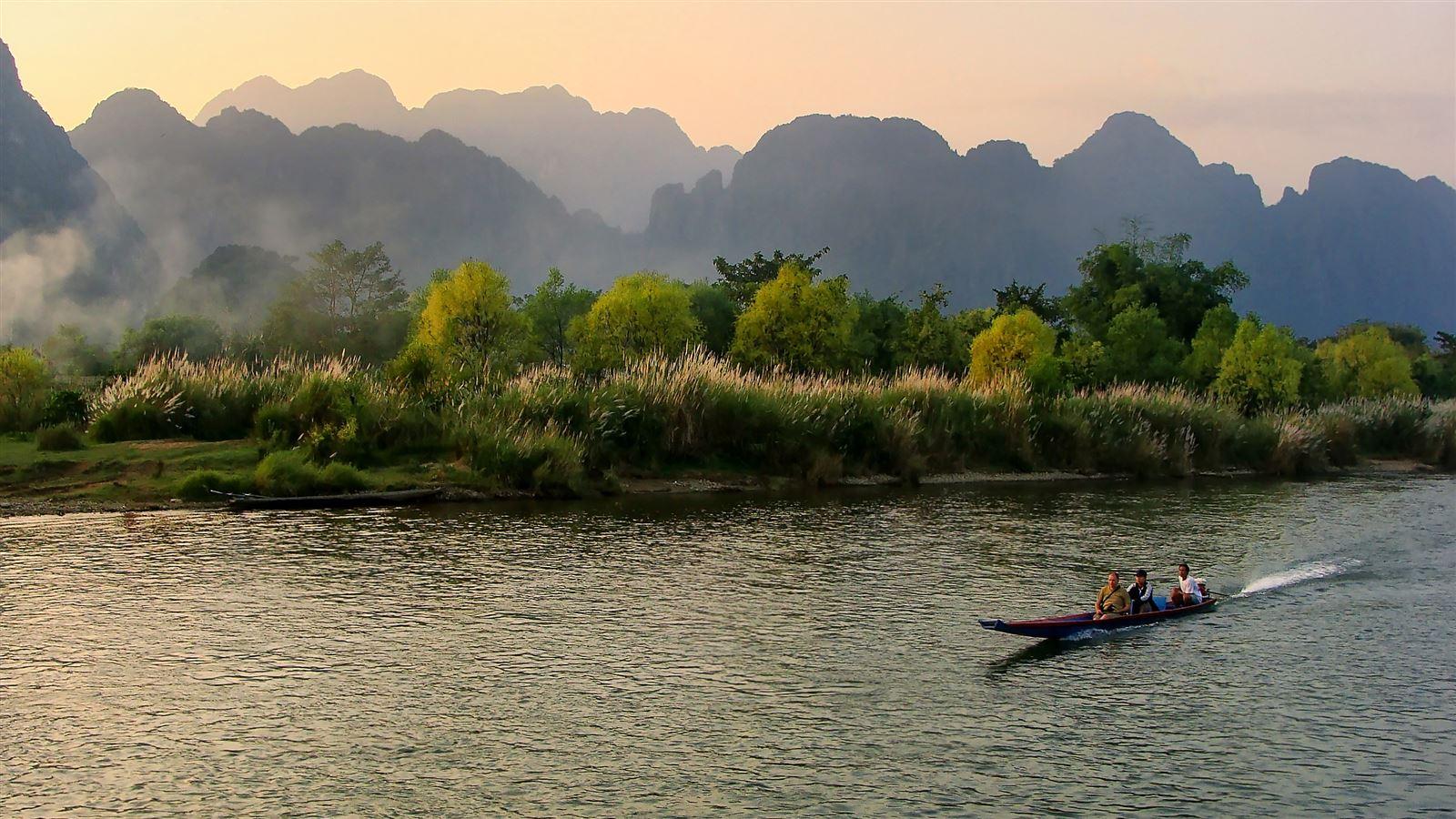 180503142931-04-destination-laos---vang-vieng