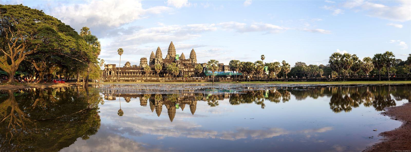 Panoramique-Angkor-Wat-Cambodge